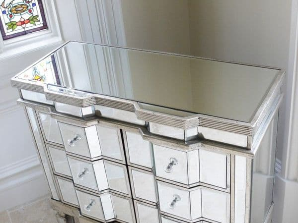 Mirrored Venetian Glass Chest Of Drawers - Silver
